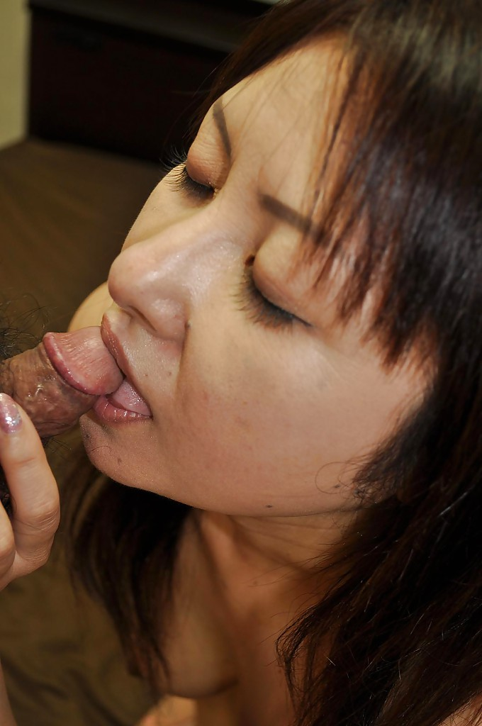 Long nipples japanese gets stimulated - 2 2