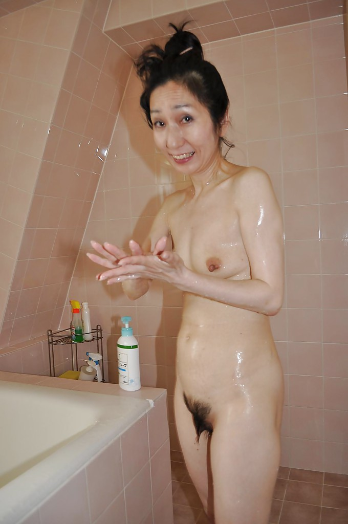 Amateur Shower Teen Blowjob