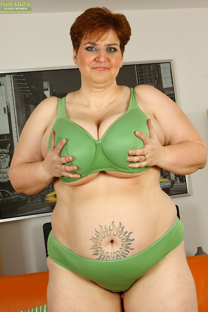 Plumper Mature Older Woman