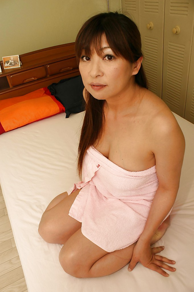 Sex asian mature having