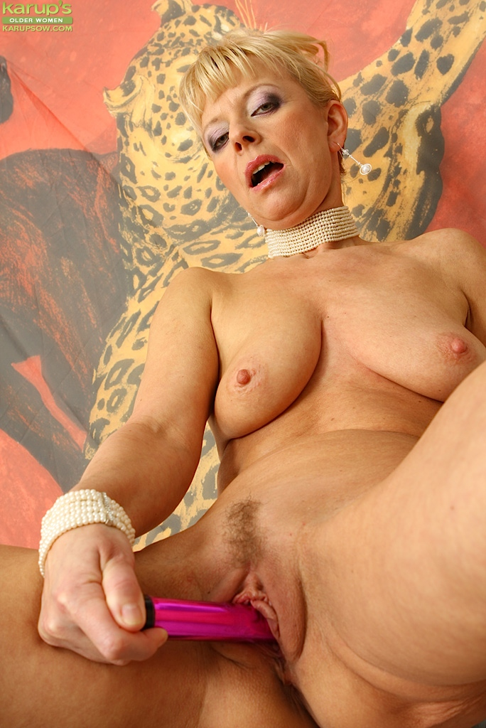 Mature womens play with toys