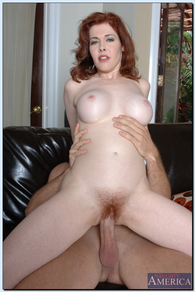 Mae Victoria has some hardcore fun and gets her rack ...