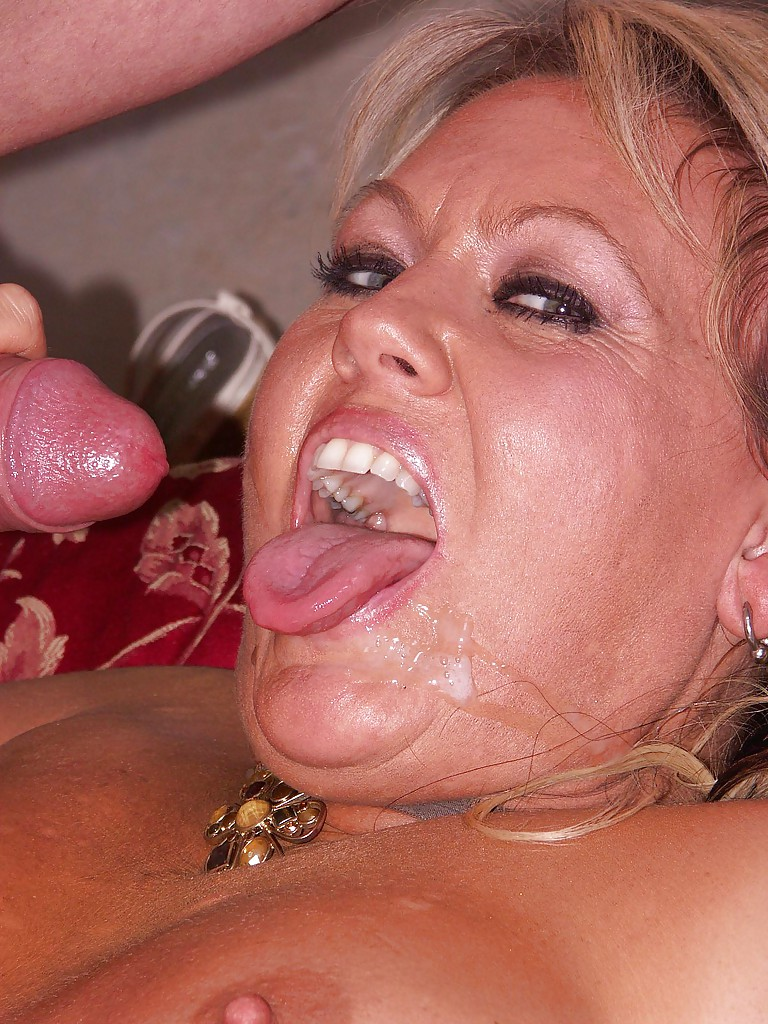 huge mouth cumshot videos