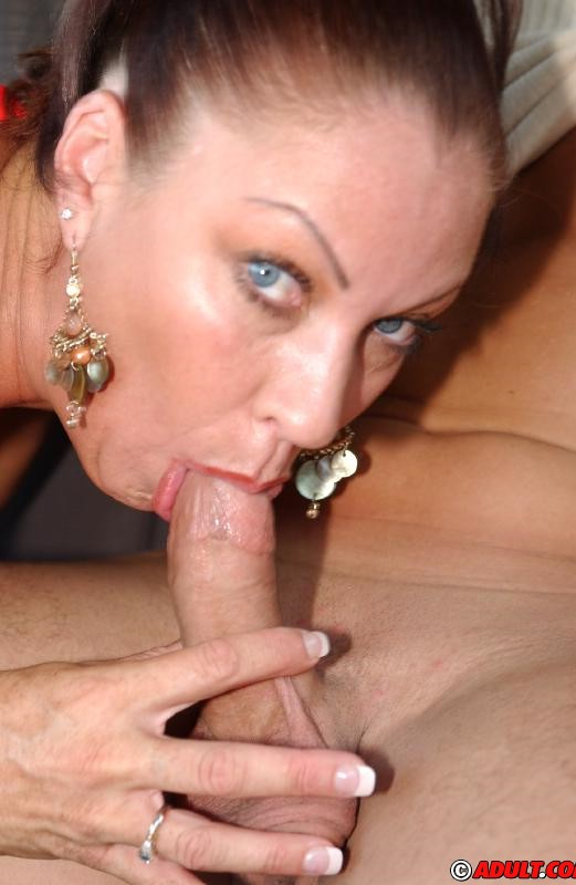 picked up milf vanessa videl gets talked into blowjob action in the