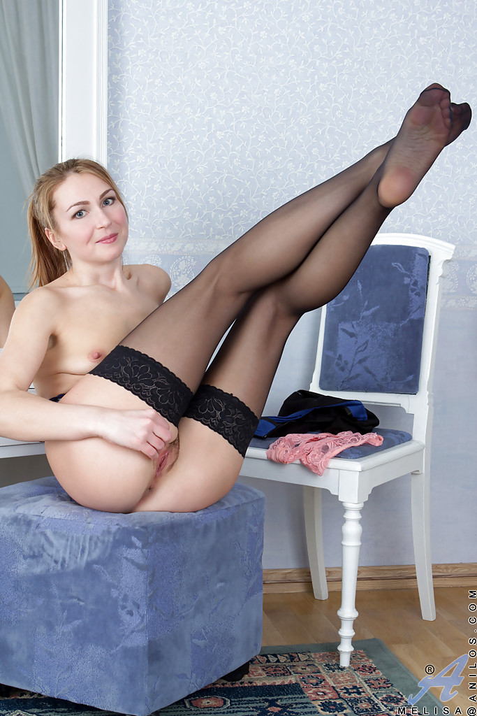 Mature women stockings and heels