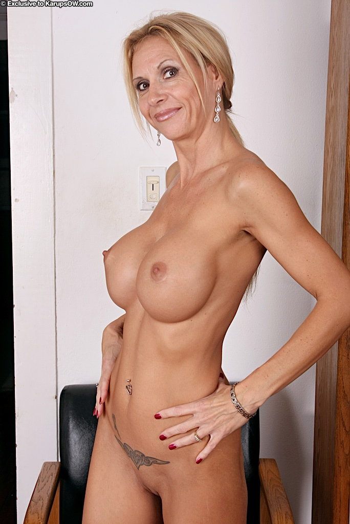 Milf with huge tits brooke tyler only sexy milf porno