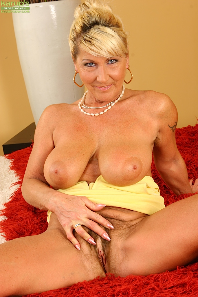 Older women naughty porn idea