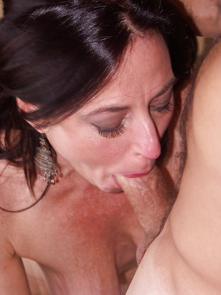 Mature slut blowjob