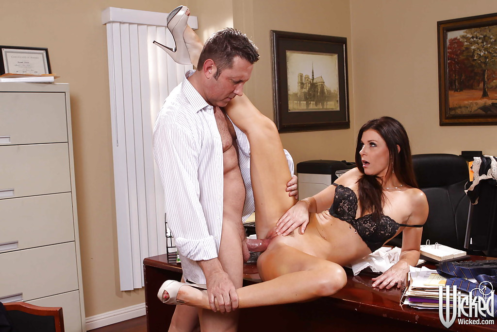 Hot Secretary Sadie West Seducing Her Boss My Pornstar Boo 1