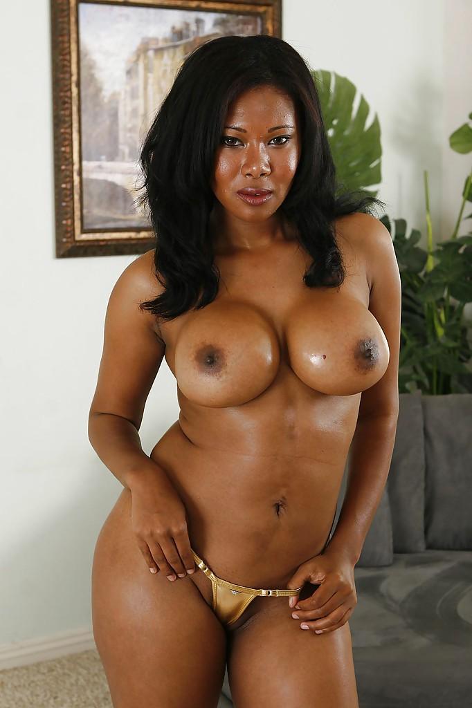 Mature ebony mom nude like