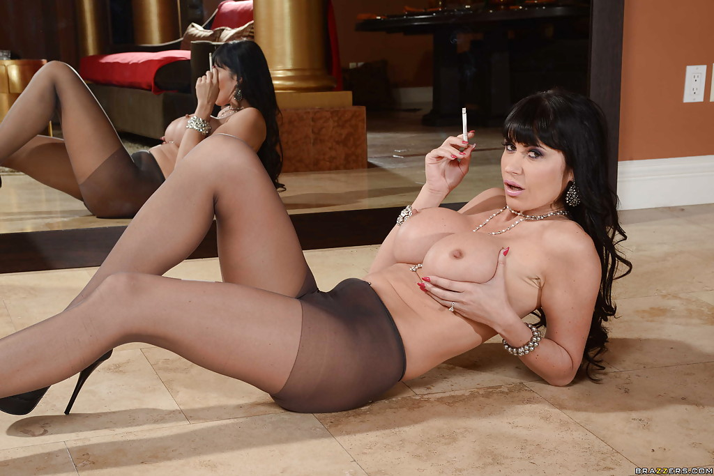 Pantyhose smoking in