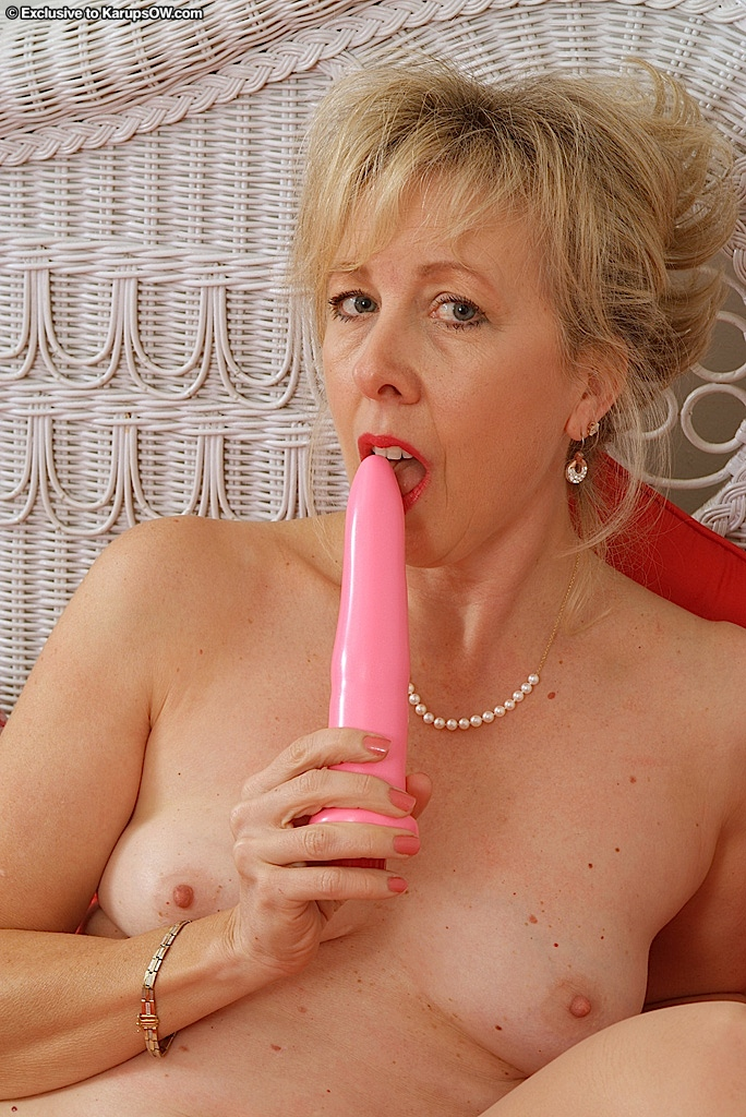 with vibrator women Older