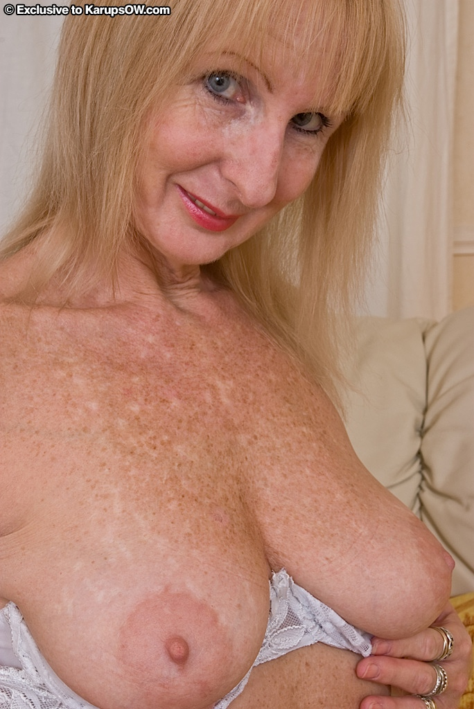 sexy old blondes nude