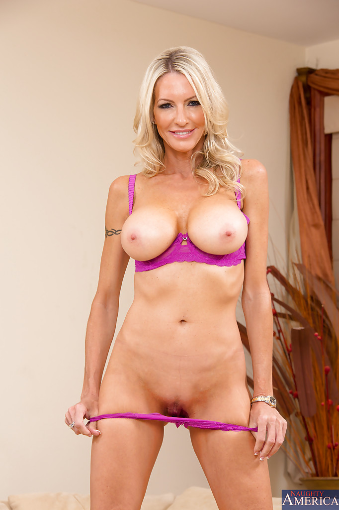 Hot Blonde Milfs Naked