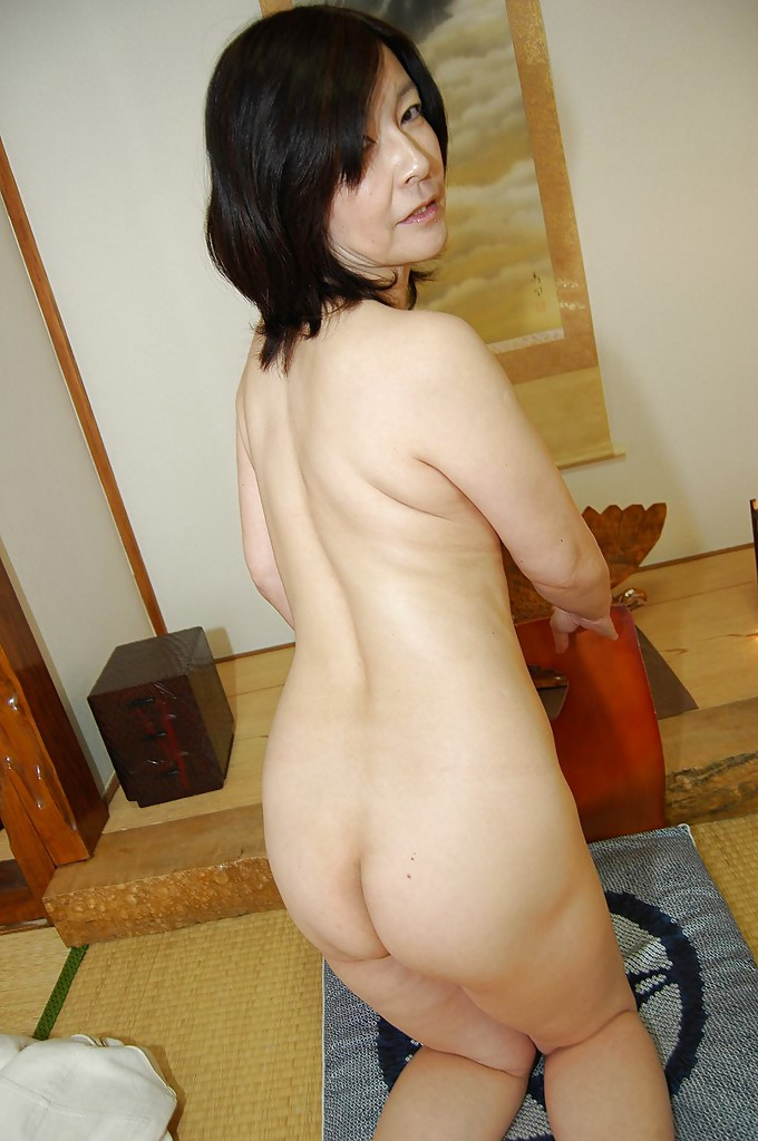 Japanese mature lady sex long sex pictures sorry