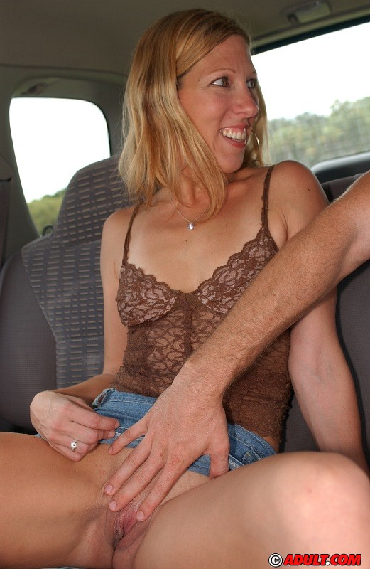 Cute reality blonde fingered for some cash 5