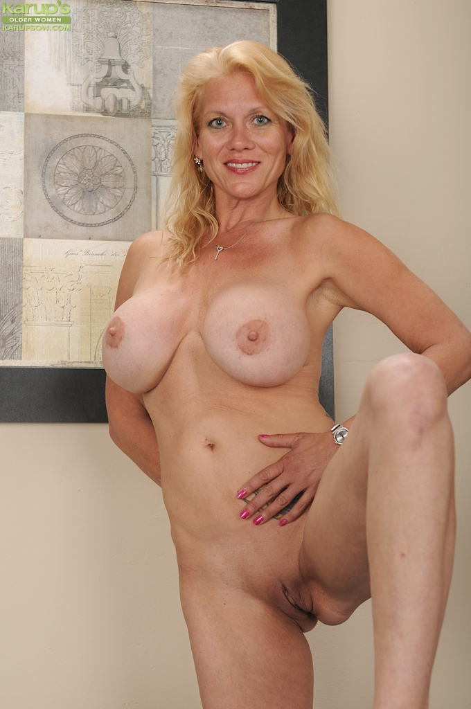 Mature bare boobs