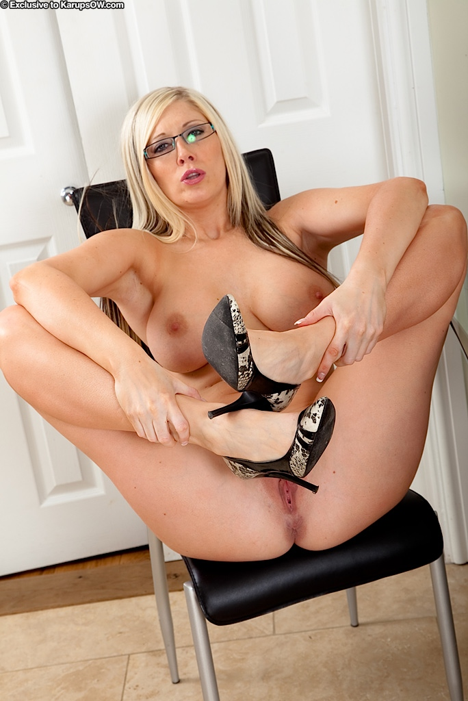 mature  videos secretarias calientes