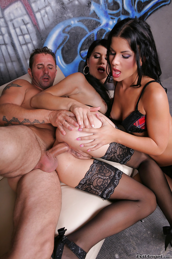 Hardcore Threesome Big Tits