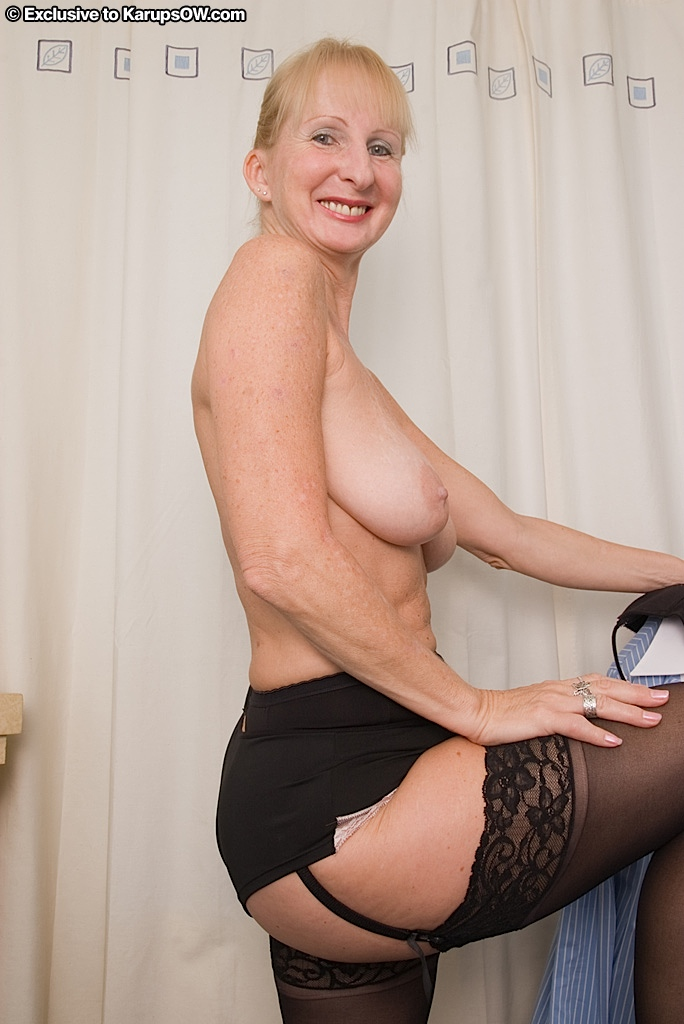 amateur Naked grannies lusty