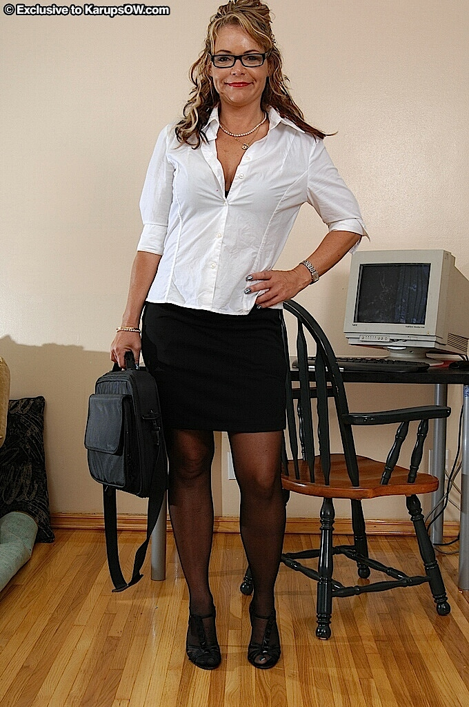 slut Mature office