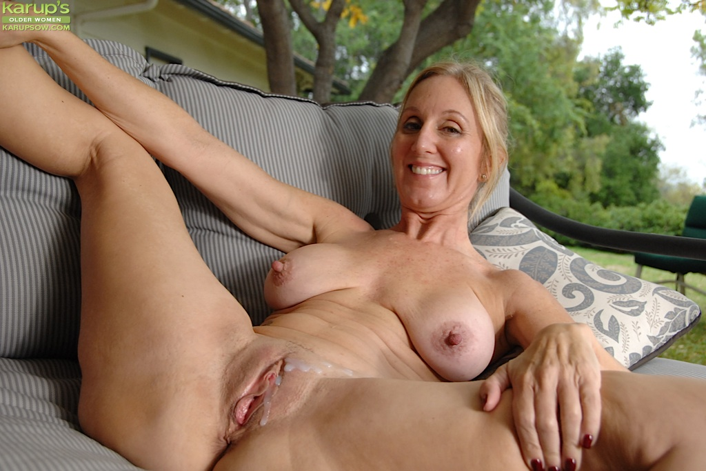 big boob mature women getting laid
