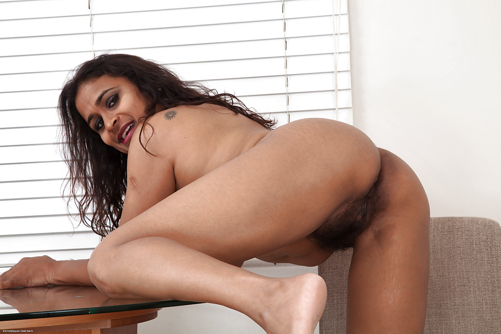 Nude hairy aunty spreading legs — photo 13