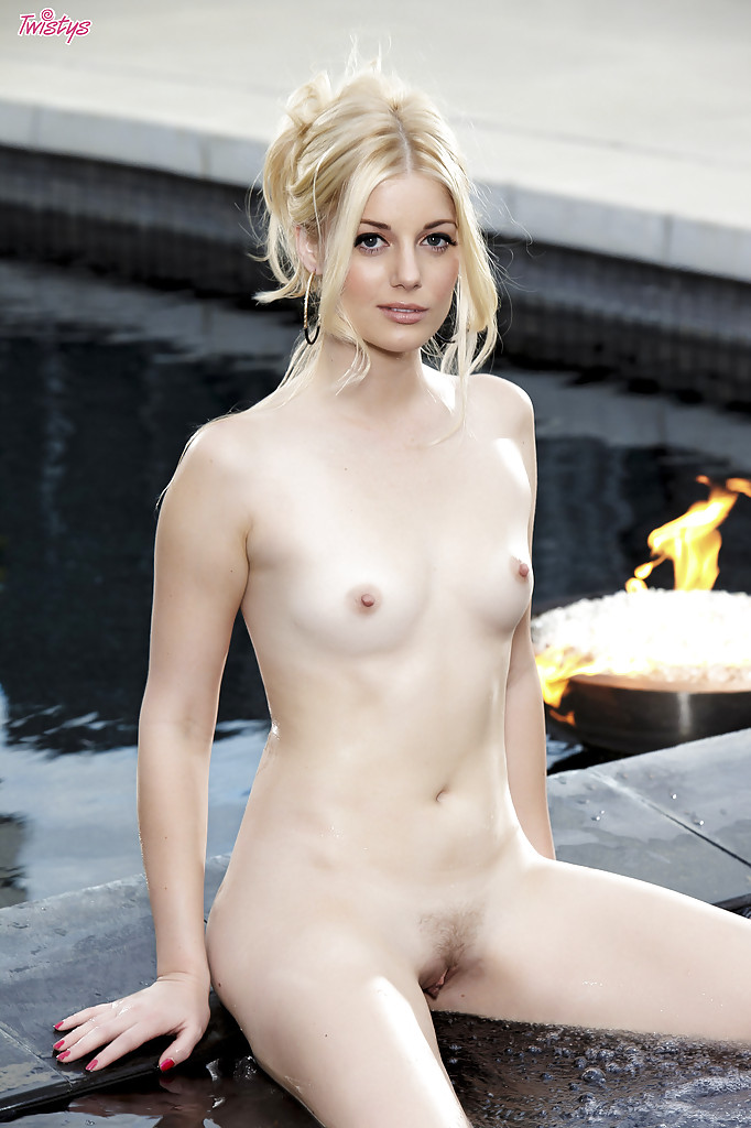 Pale Skinned Mom Naked