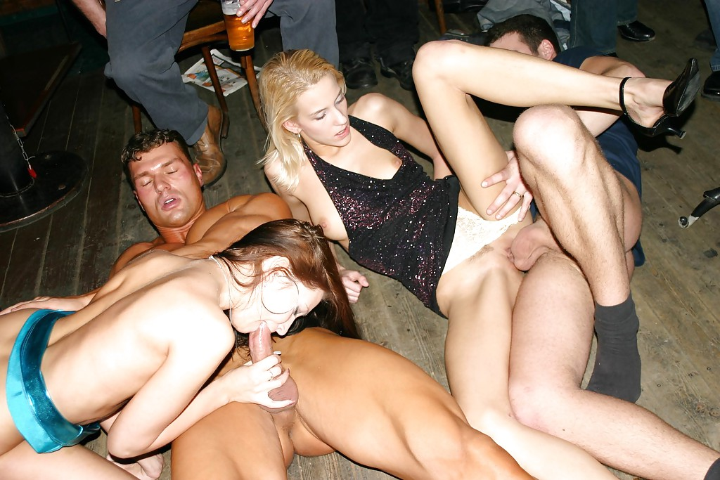 nude-drunk-nake-couple-party-fuck-porn-retro
