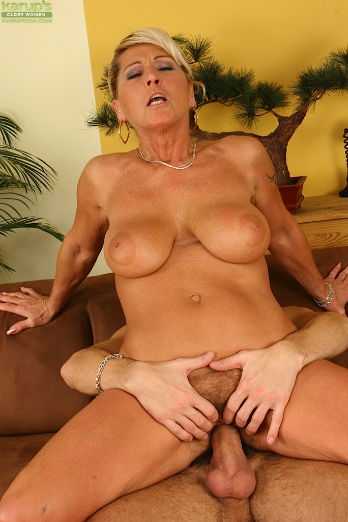 Mature Cougar Milf Mom Pov