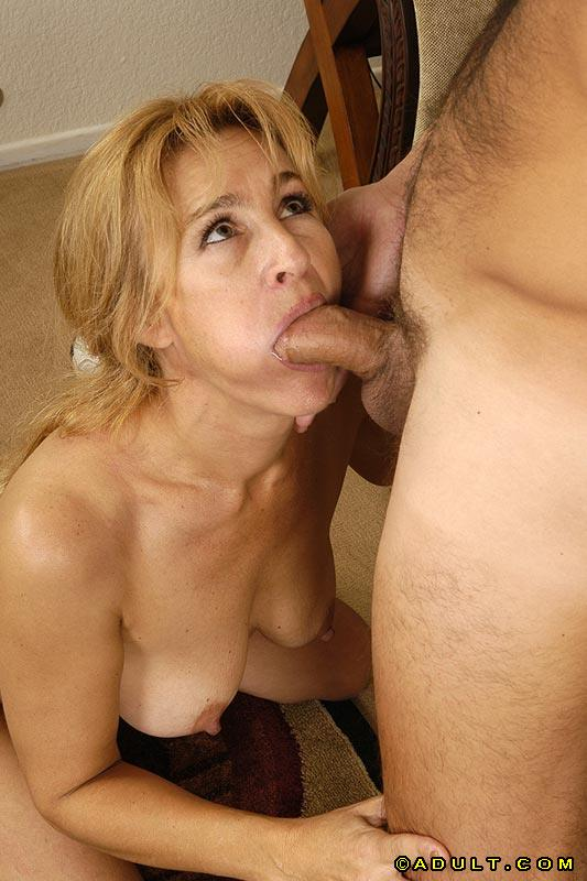 image Closeup cougars facial cumshot from young man