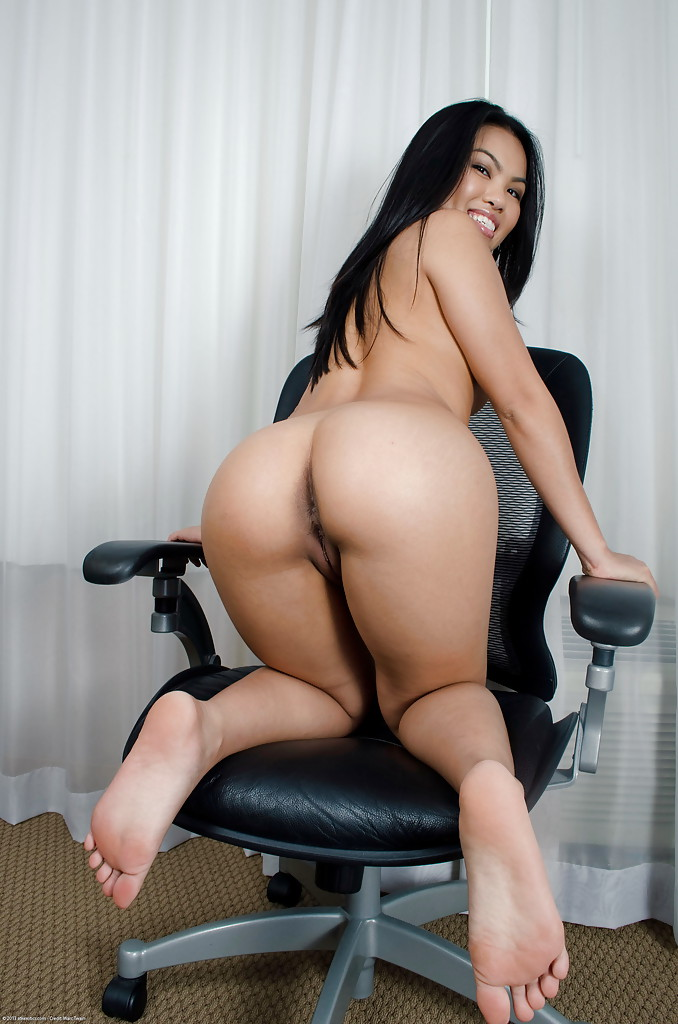 Sexy asian big ass nude