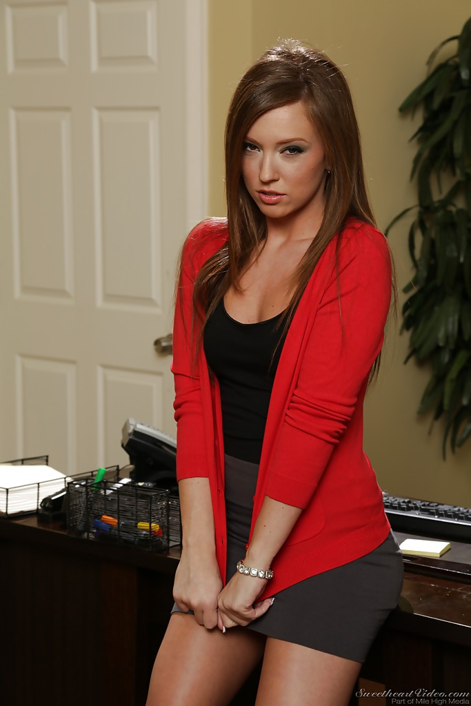 Hot babe maddy oreilly deepthroats his hard gigantic dick - 1 part 1
