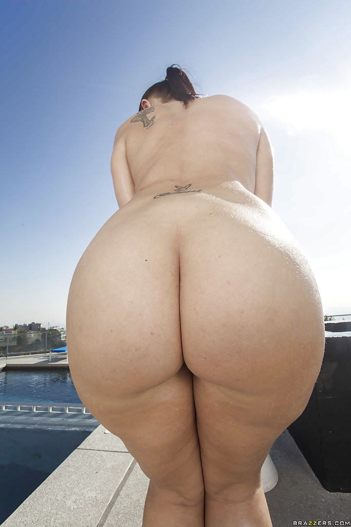 Amazing ass on this babe, madison rose