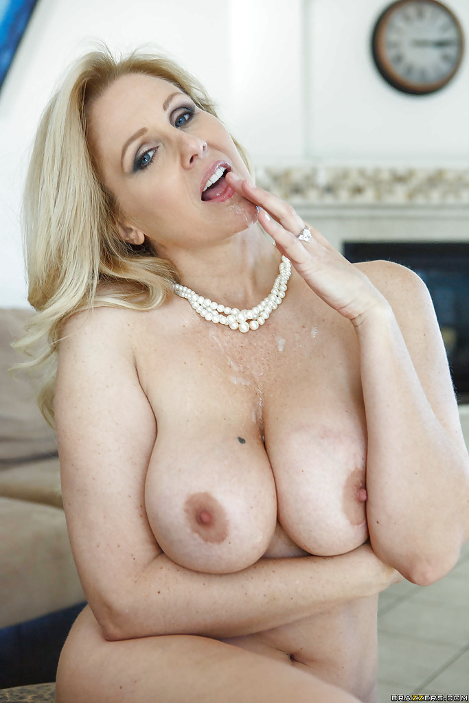 Big Titts Mom