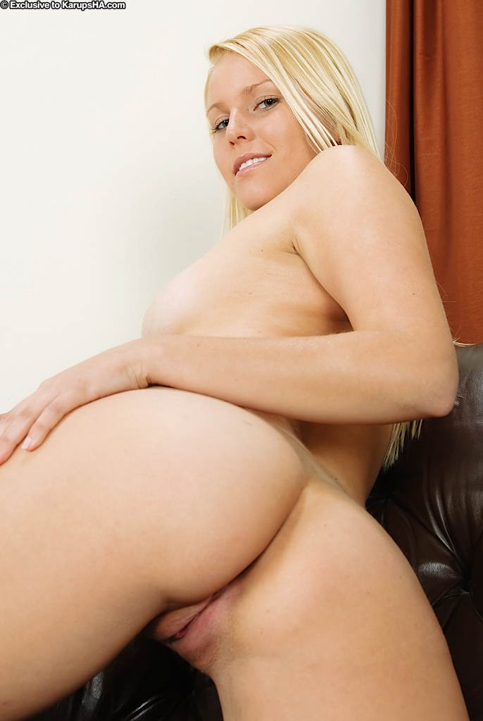 sexy pics naked blonde young