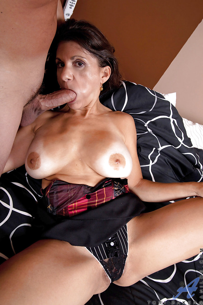 for-brunette-milf-tube