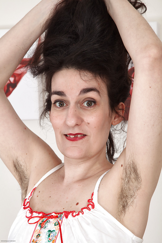 All hairy armpit woman pic
