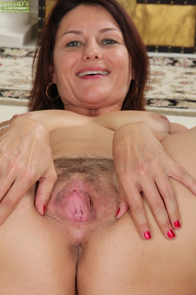 Big natural tits mature women