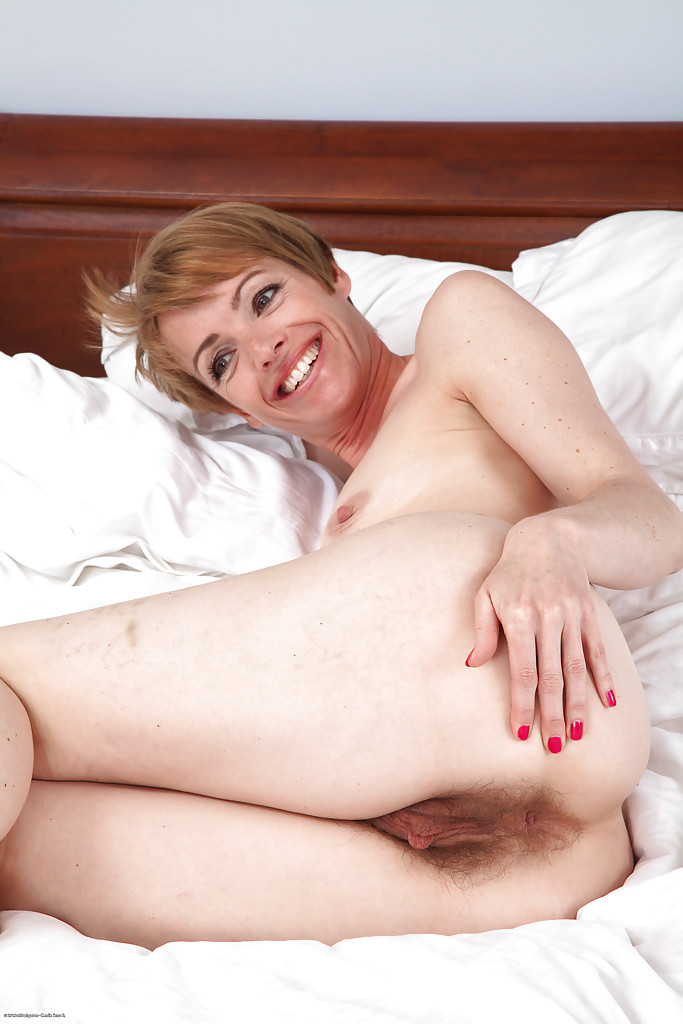 naked women with short hair