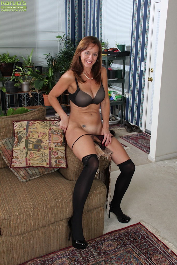 Mature woman in stockings
