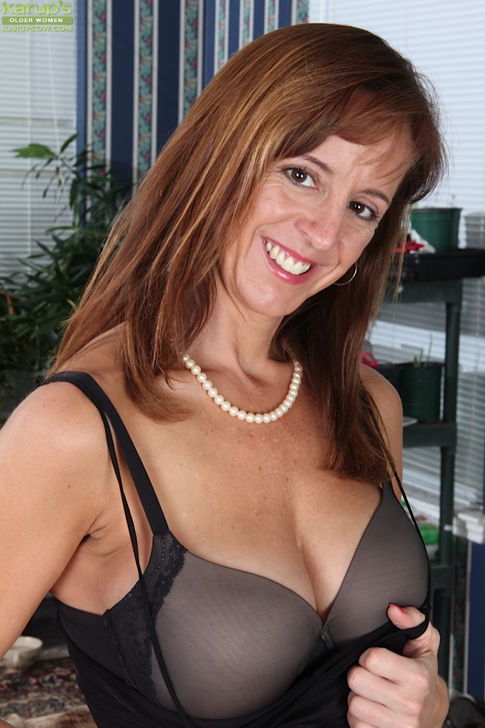 Mature female tits