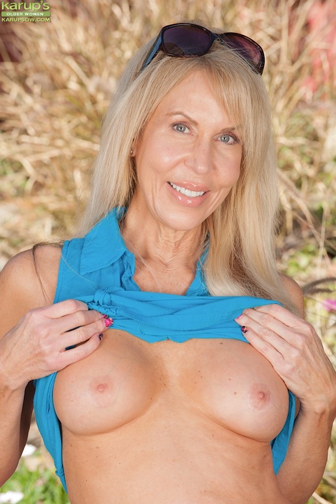 Porn pictures of mature women