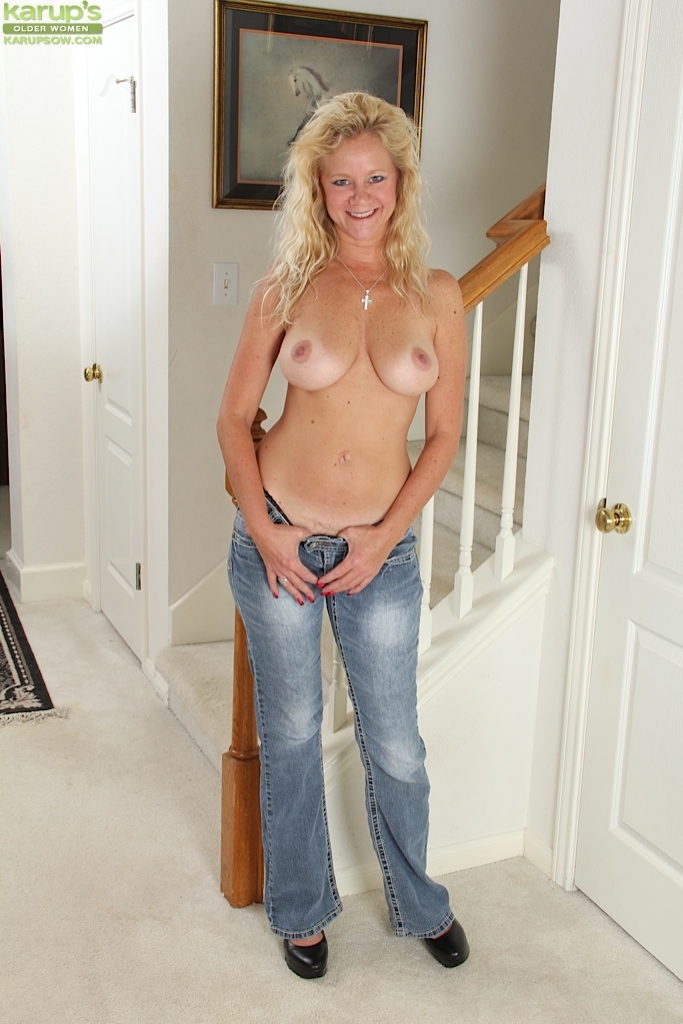 nice tits Mature blonde with