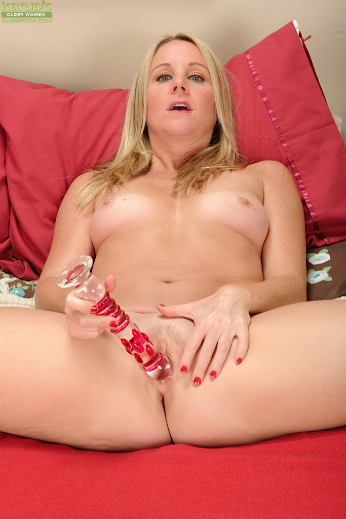 Milf cumming on dildo