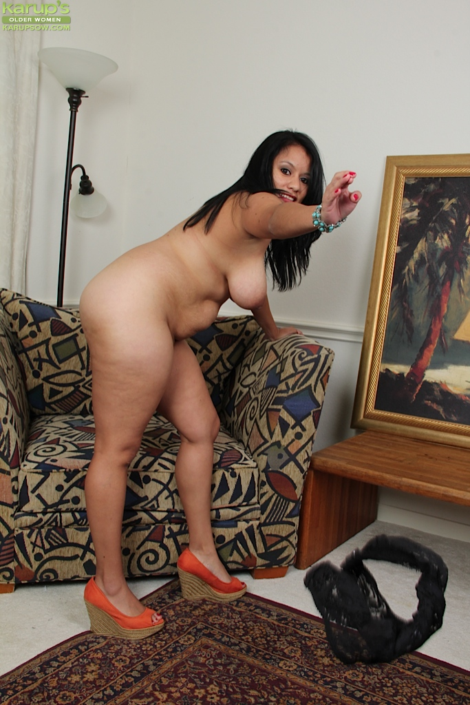 Fat ass latina carmen de luz takes a pounding - 3 part 6