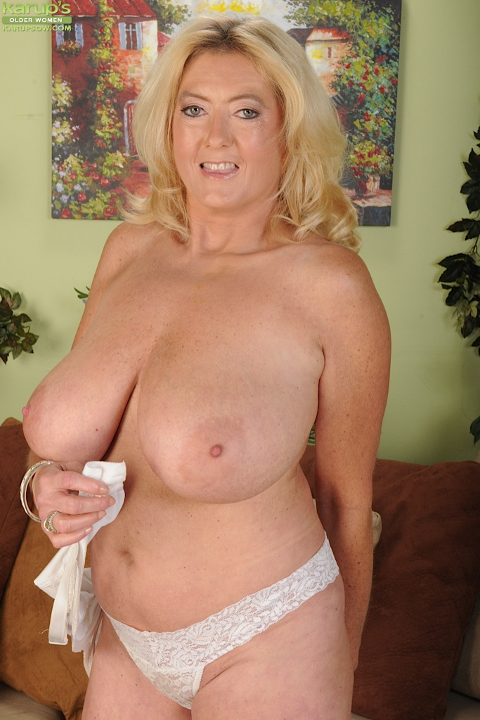Mature over 40 nice tits