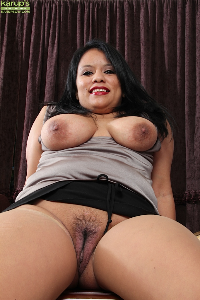 black haired girls nude