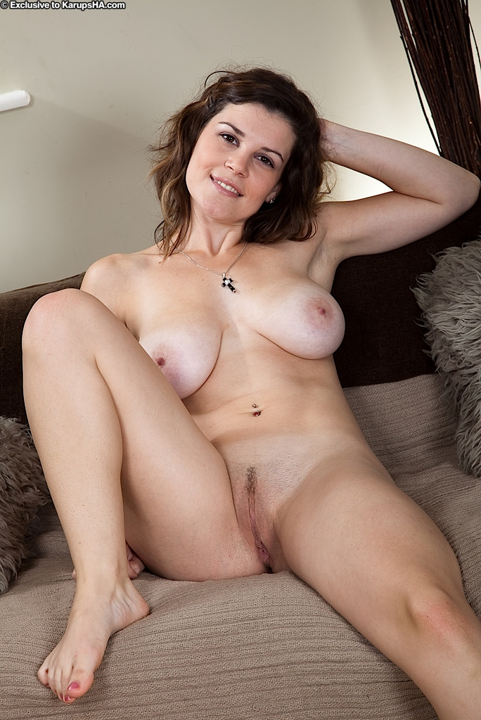 Young chubby girl self nude
