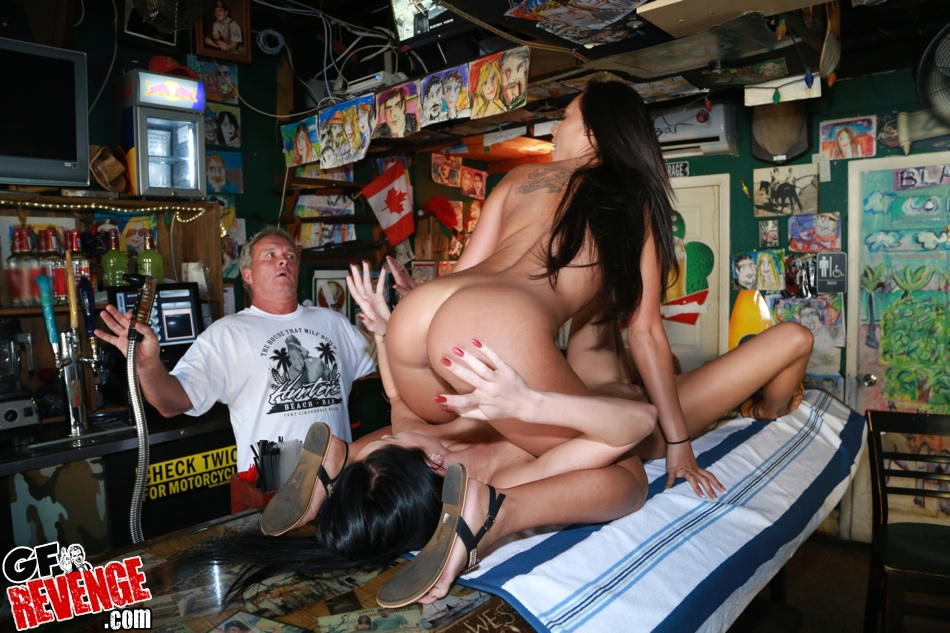 nude bar babes sex picture